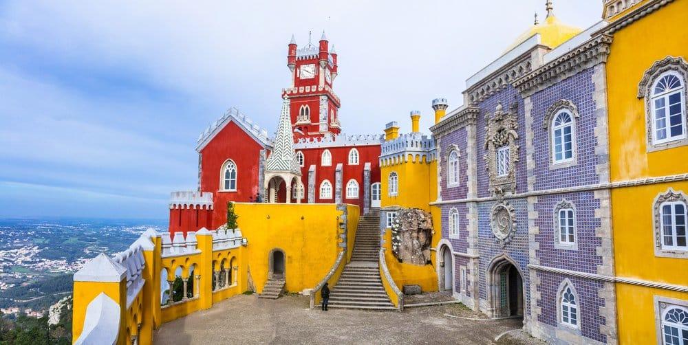 Palacio da Pena in Sintra @shutterstock_387794470