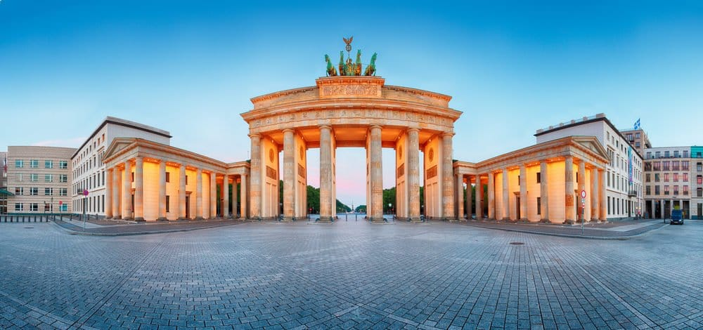 The beautiful Brandenburger Tor in Berlin - a must-see place in Berlin
