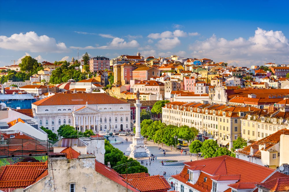 Rossi square in Lisbon @shutterstock - Places to visit in Portugal