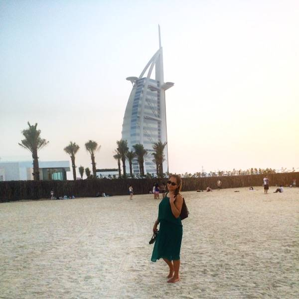 Dubai - Kite Beach with a view of Burj Al-Arab