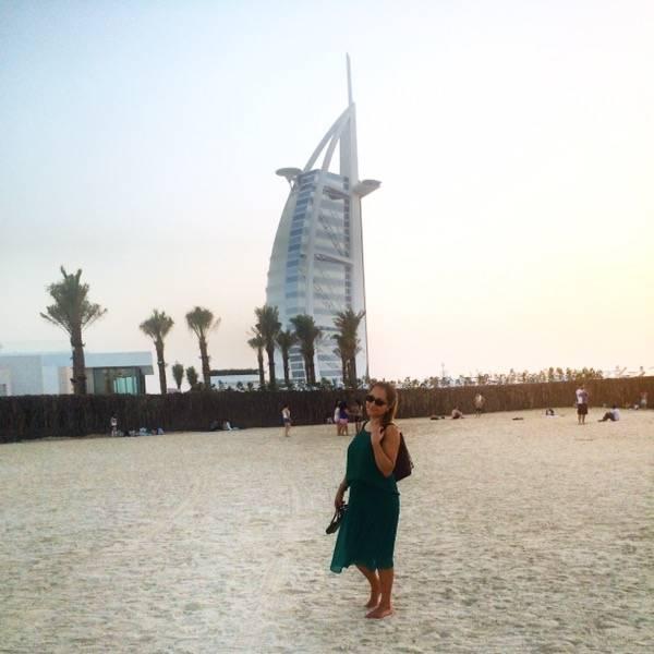 Dubai - Kite Beach with a view of Burj Al-Arab