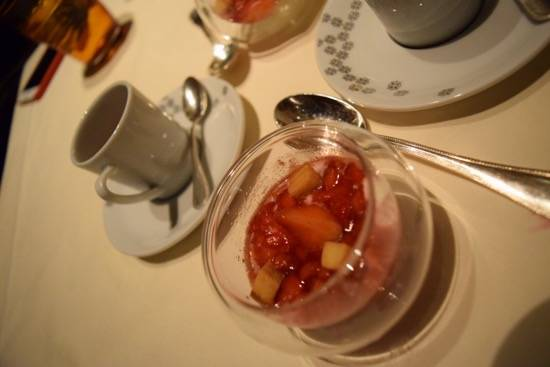 Greek yogurt with berries