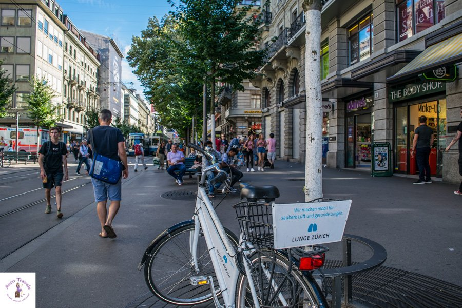 Zurich what to see- see Zurich on two wheels and rent a bike