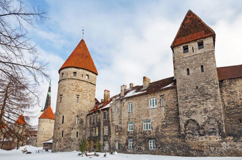Town Wall in Tallinn @shutterstock