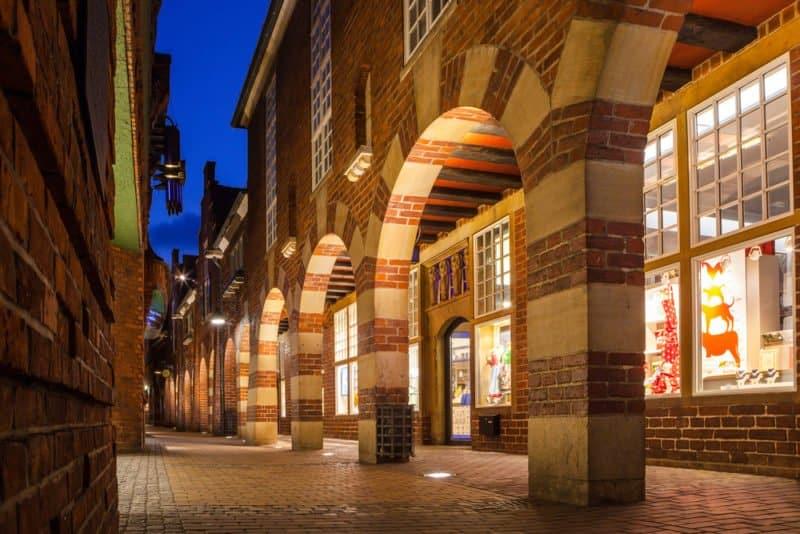 Böttcherstraße at night @shutterstock