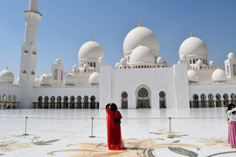 Sheikh Zayed Grand Mosque Abu Dhabi Emirates Where to go in Abu Dhabi