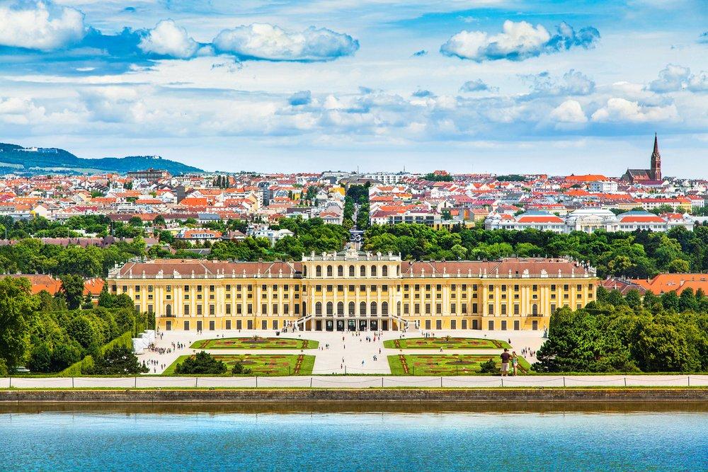 Schönbrunn Palace @shutterstock