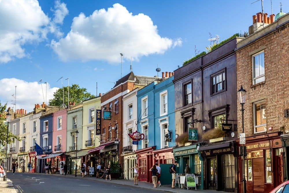 The colorful houses of Notting Hill @shutterstock