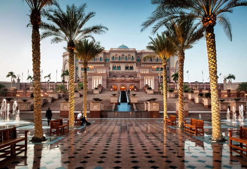 2 Favorite Luxury Hotels in Abi Dhabi @shutterstock