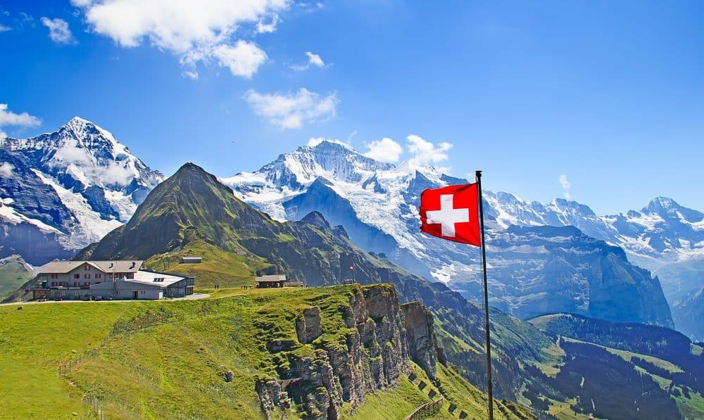 Mann lichen - with the Swiss Skyline