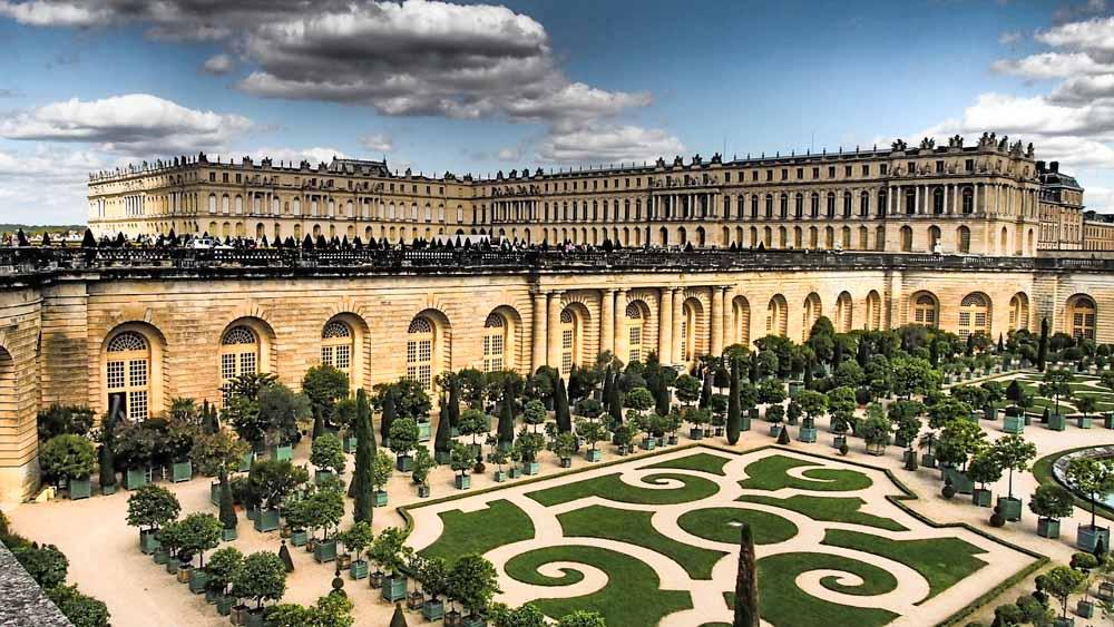 Versailles Garden to visit near Paris
