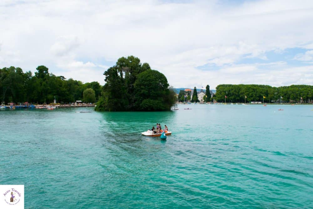 Water activities in Annecy