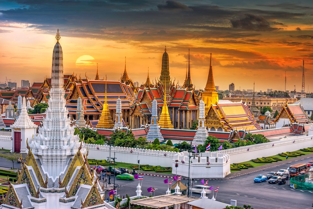 Bangkok - top 10 things to do and see in Thailand for female travelers shutterstock_367503629