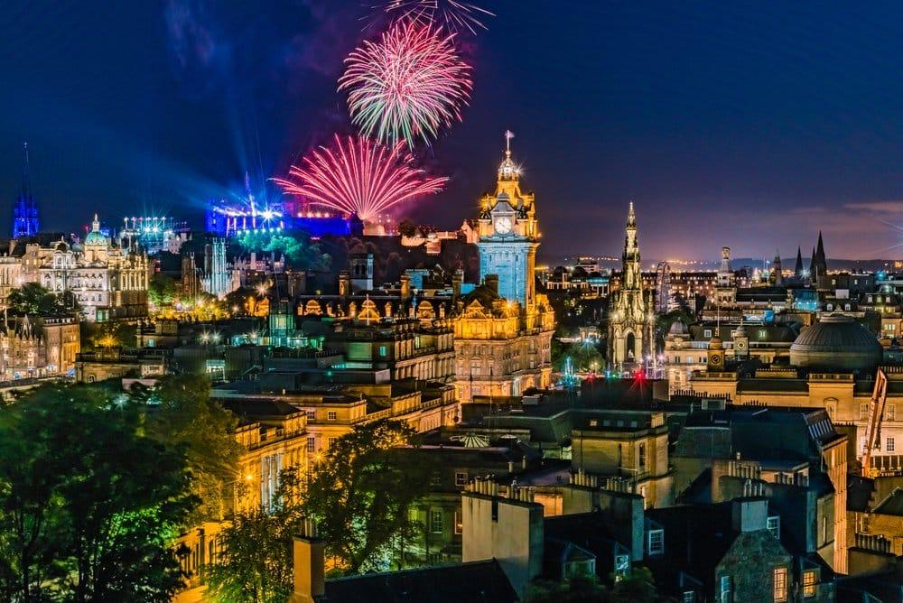 Edinburgh New Year´s Eve shutterstock_732397669
