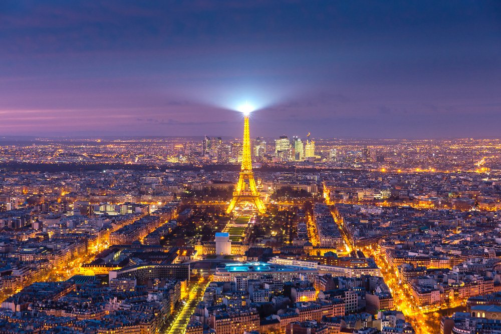 the best city to see at night is Paristhe best city to see at night is Paris