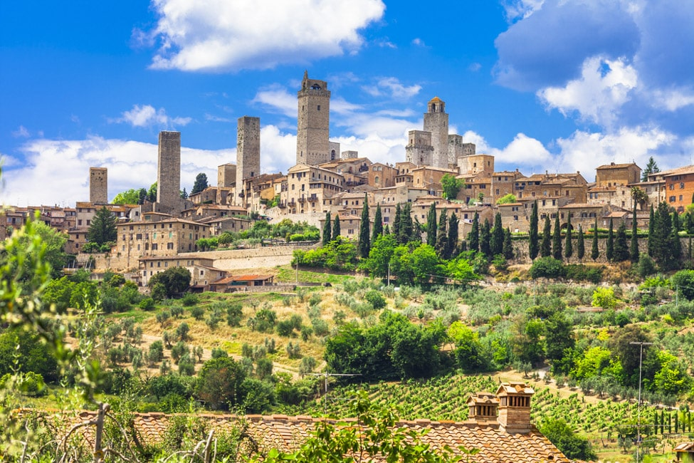 landscapes of Italy. medieval San Gimignano - Tuscany cutest towns in Italy