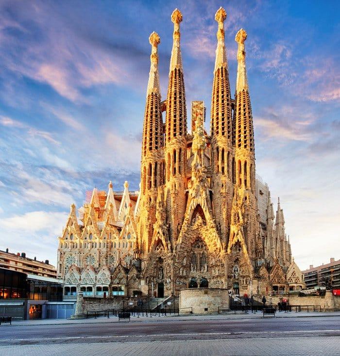 La Segrada Familia and Barcelona points of interests