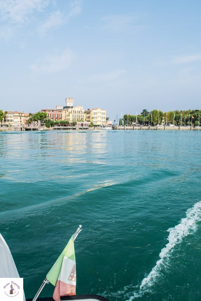 Boat tour in Sirmonie