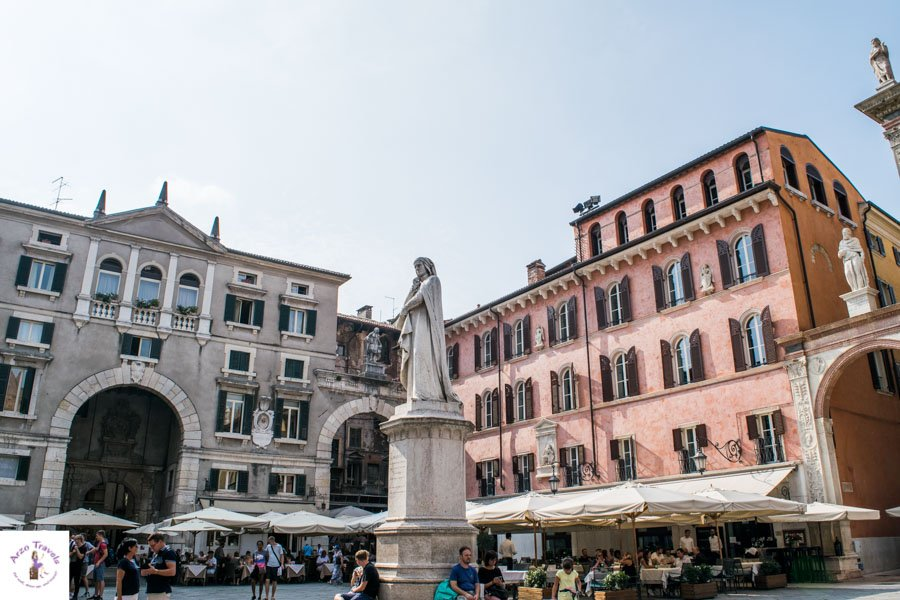 Piazza dei Signori and the Dante Statue