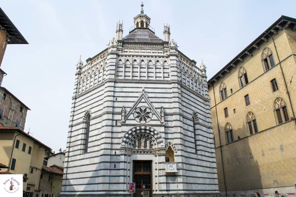 Tuscany, Pistoa baptiserary_