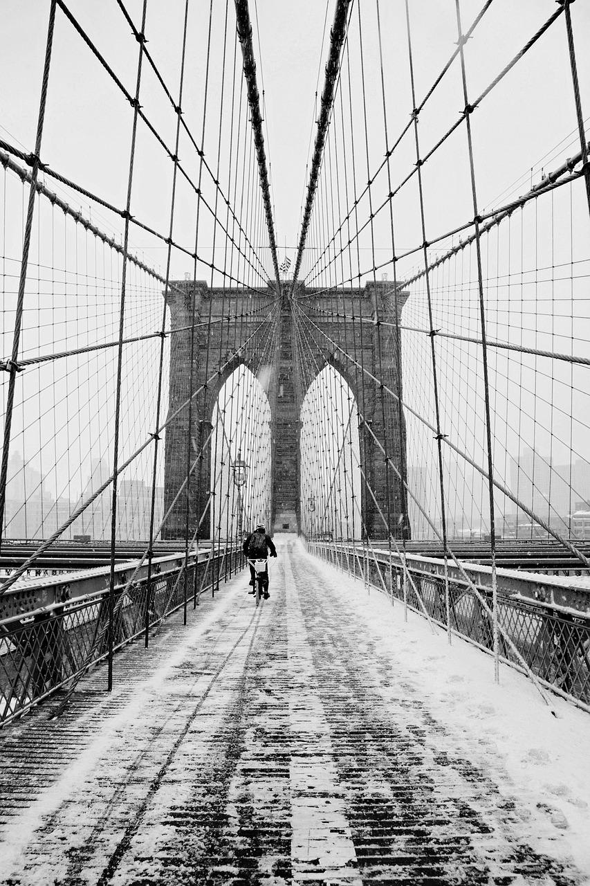 brooklyn-bridge in winter in New York
