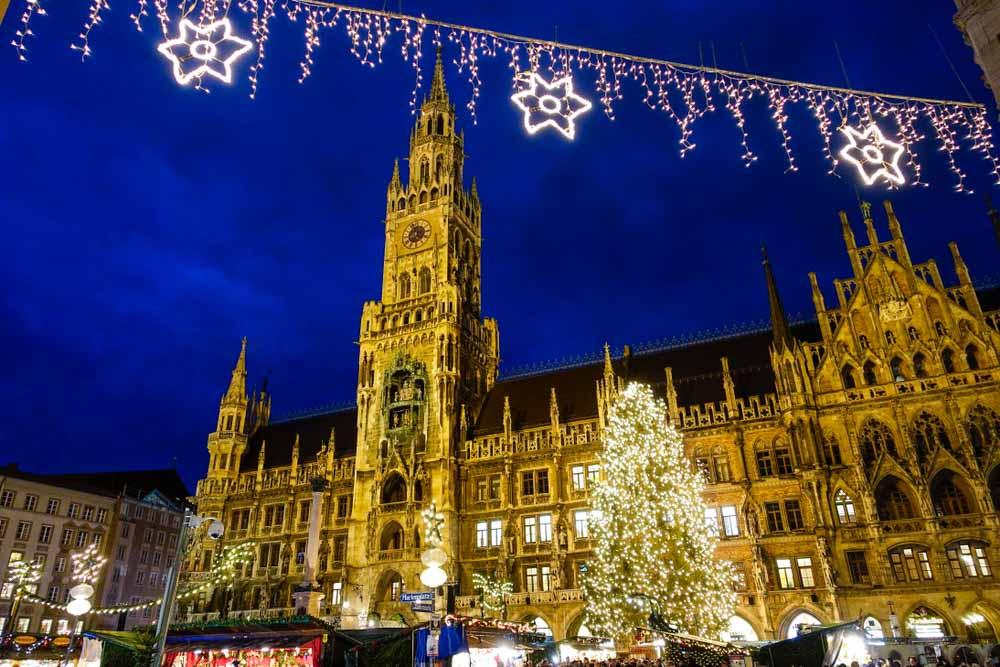 Christmas Market at Marienplatz in Munich, Bavaria, Germany, Europe_