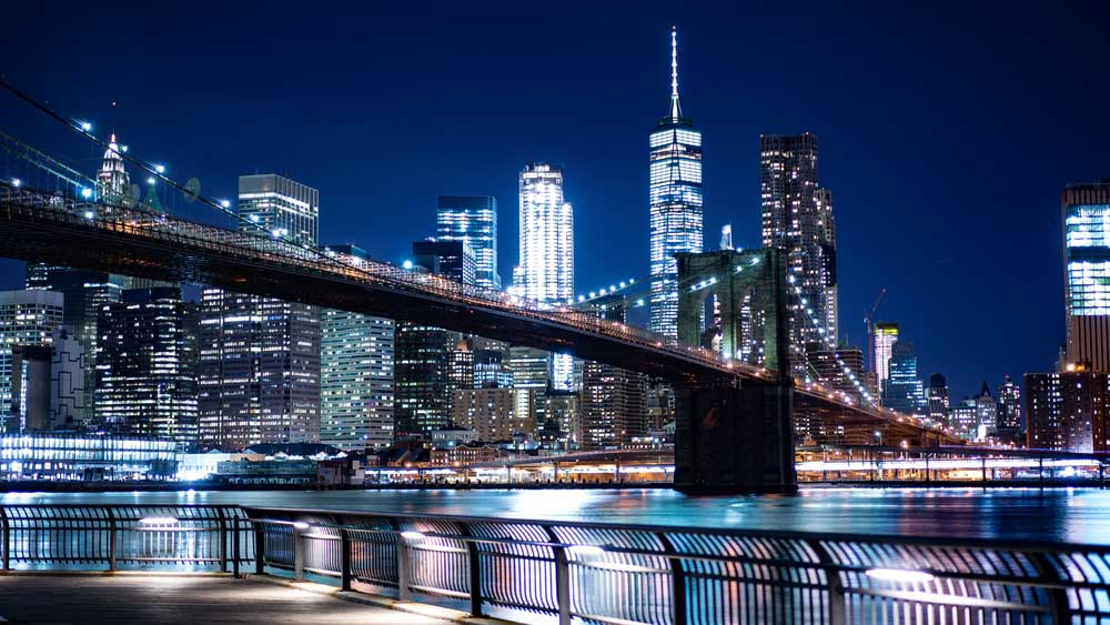 Brooklyn Bridge from The Brooklyn Heights Promenade is a must-see in 4 days in New YOrk