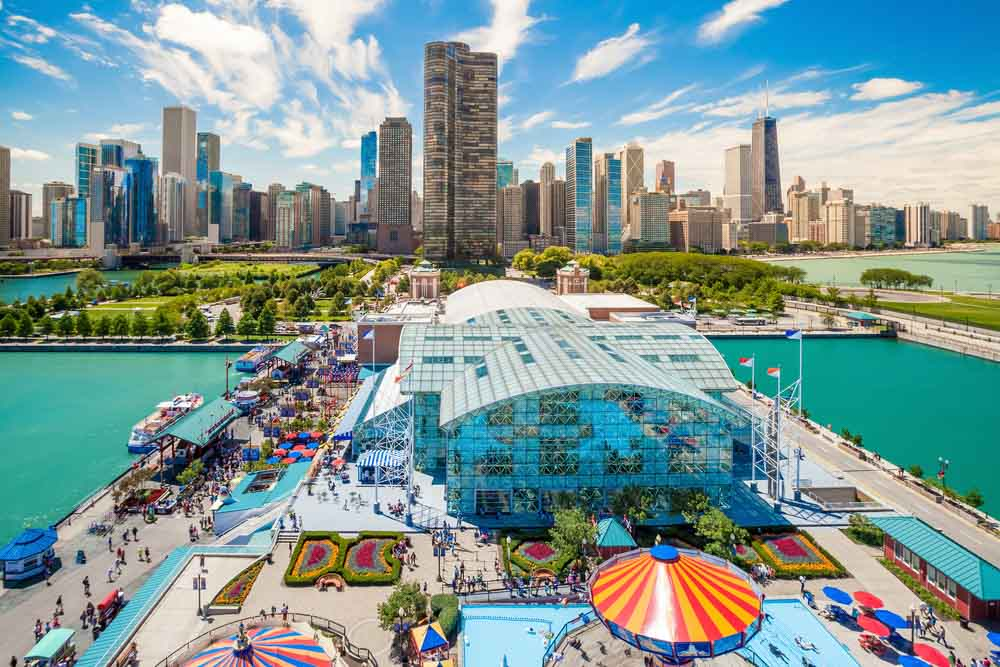Navy Pier and skyline is a must on any 3-day Chicago itinerary