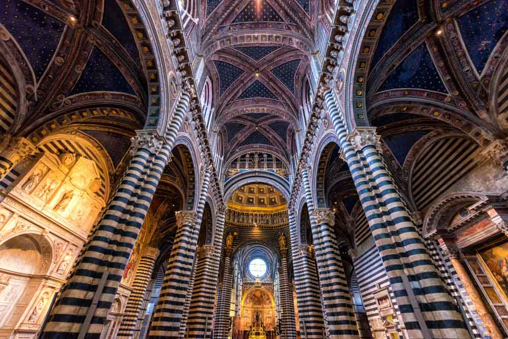 Interior in Siena Duomo, martinho Smart, Shutterstock.com