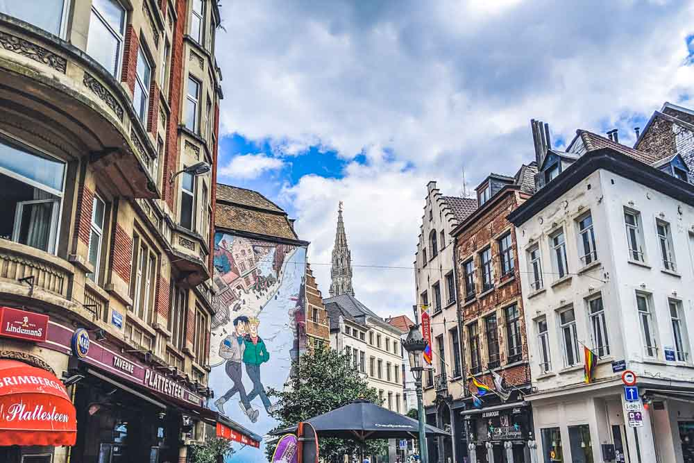 Mural walk in Brussel for any itinerary