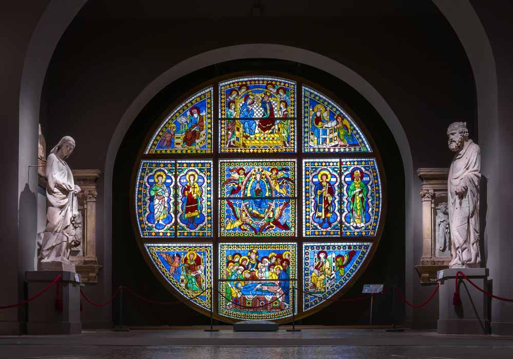 Stained Glass in the Museo dell'Opera del Duomo, Vjacheslav Shishlov, Shutterstock.com