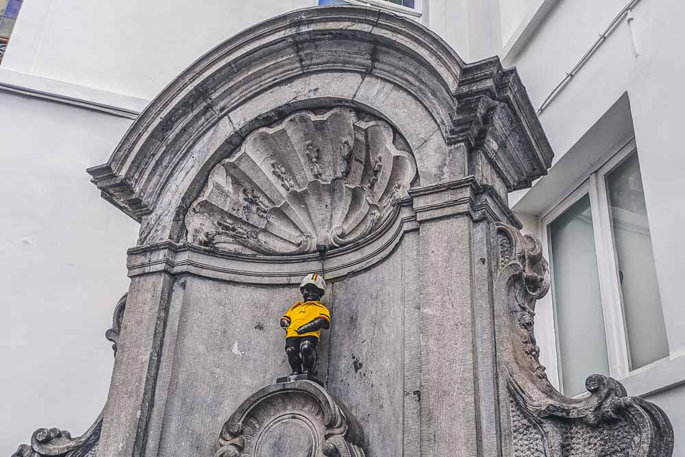 manneken pis seeing him is one of the best things to do in Brussels in 2 day