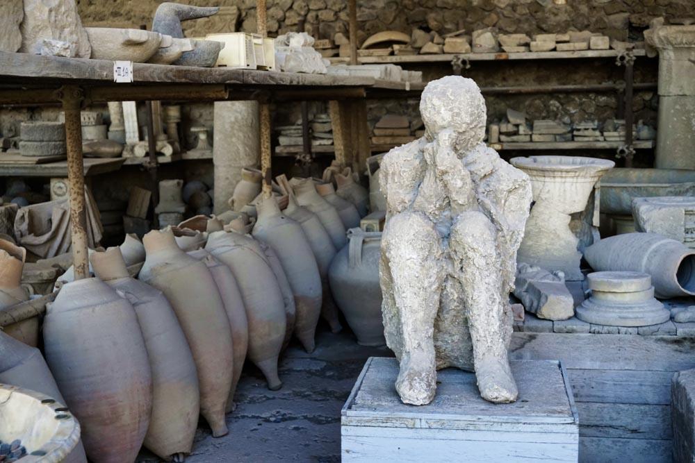 Pompeii - Experiencing the Globe