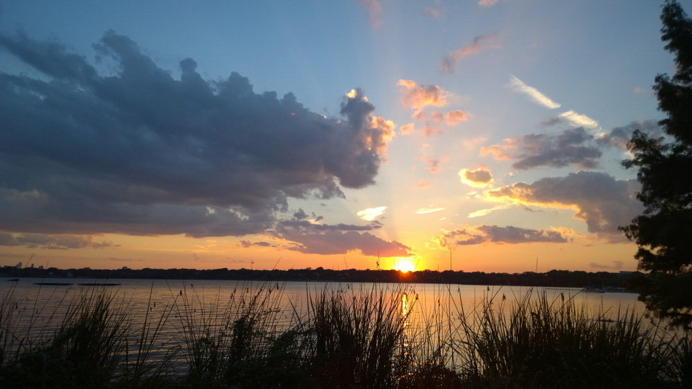 Sunset at White Rock Lake, watching is one of the best things to do in 3 days in Dallas