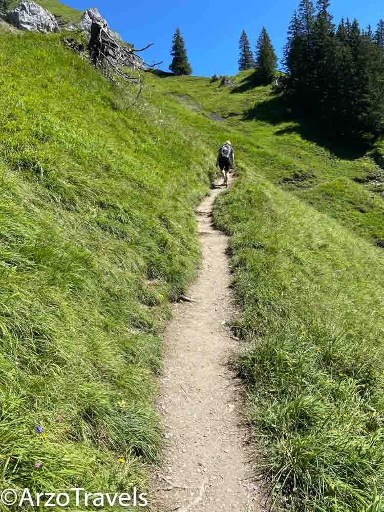 Hike Oeschinensee, Arzo Travels