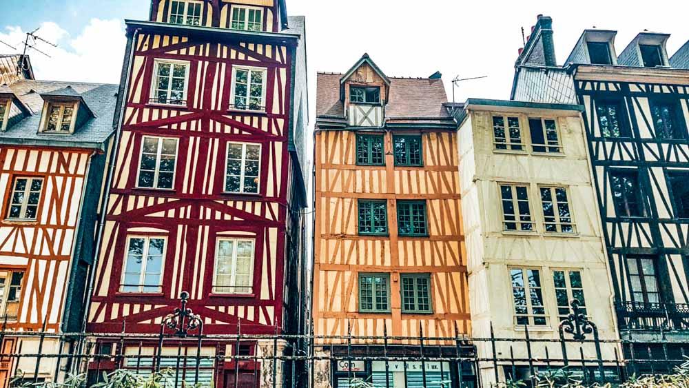 Roun day trip from Paris